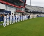 Pakistan and England cricket teams pay tribute to Covid-19 victims