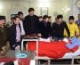 Moving scenes as Pak cricketers meet Peshawar terror victims, families
