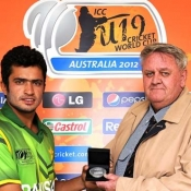 Mohammad Nawaz receives Man of the Match award in ICC U-19 World Cup match against New Zealand
