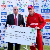 Brendon Taylor receives Player of the Match Award as Zimbabwe beat Pakistan in 1st ODI at Harare