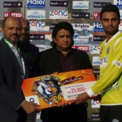 Islamabad Leopards captain Zohaib Ahmed receives Man of the match award in 1st Quarter Final against Sialkot Stallions